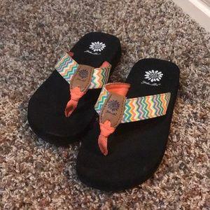 Super cute sandals!